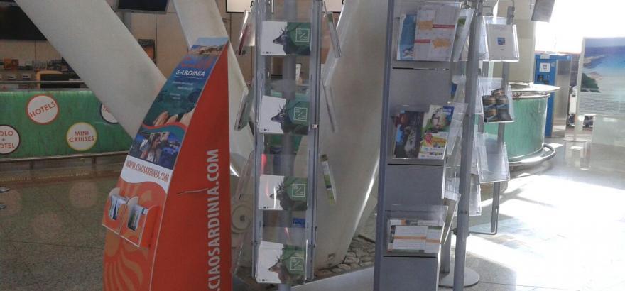 brochure_in_aeroporto1